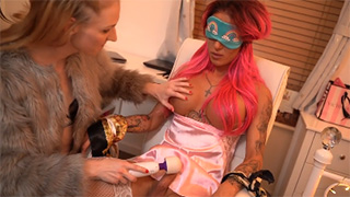 Mia Maffia Gets Drained By Ella Venus