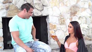 Lovely Khloe Kay Gets Super Horny After Drinking Few Glasses of Wine