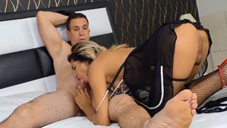 Perfect Shemale Babe in Sexy Stockings Suck Dick and Gets Analized