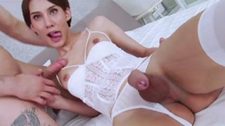 TS Superstar Jenny G Sucks Cock