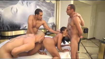 Guys Enjoyed Doing  Bukakke On Trannys Face After Gangbang
